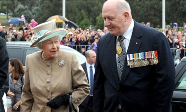 gov_sl_aus_with Queen_290314