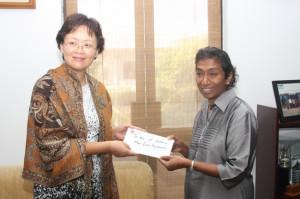 MoD_Seva_Vanitha_Unit_receives_more_funds_20140717_02p2